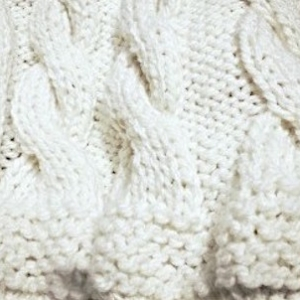 Hand-Knit-blanket-braided_snow_white2