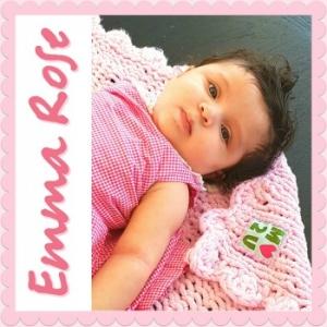 Hand-knit blanket soft pink